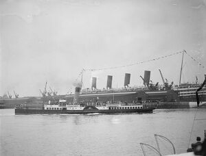 The Prince of Wales at Southampton. The Duchess of Fife leaving Southampton Dock