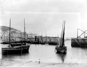 Mousehole harbour, Mousehole, Cornwall. 1898