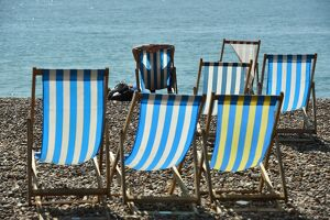 BRITAIN-WEATHER-OFFBEAT-DECKCHAIRS