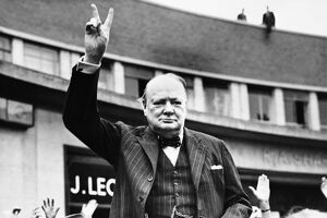 special edition wall art/winston churchill/churchill making v for victory sign