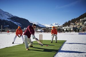 CRICKET-SUI-ICE