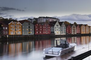 NORWAY-TRAVEL-FEATURE-HOUSES-BOAT