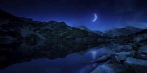miscellaneous/moon rising tranquil lake mountains pirin national