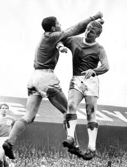 Alex Young Everton in action in August 1964