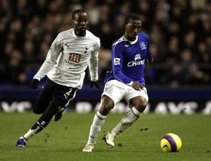 Everton v Tottenham Hotspur Manuel Fernandes in action against Pascal Chimbonda
