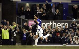 Everton v Tottenham Hotspur -Mikel Arteta celebrate's scoring their first goal
