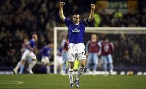 Everton v West Ham - Everton's Alan Stubbs celebrates after his team scored their