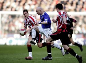 Sheffield United v Everton - Andrew Johnson in action against Phil Jagielka and Chris