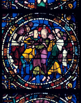 arrest christ kiss judas stained glass chartres