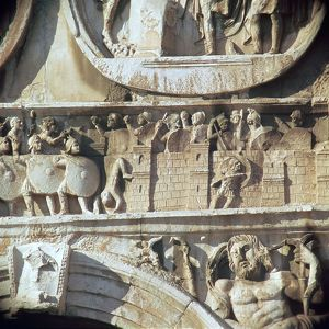 Depiction of the siege of Verona on the Arch of Constantine, 4th century BC. Artist