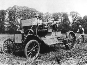 Model T Ford with Stephenson agricultural conversion, Sussex, 1917. Artist: Unknown