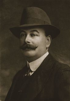 mr j hartley bibby 1911 creator unknown