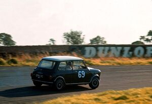 Saloon Car Racing