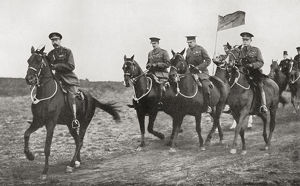 vintage/king george v lord kitchener arriving parade ground